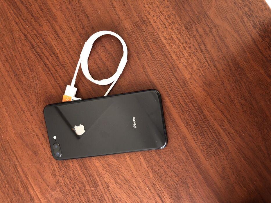 iPhone 8 Plus com 64gigas telemóvel em ótimas condições de conservaç