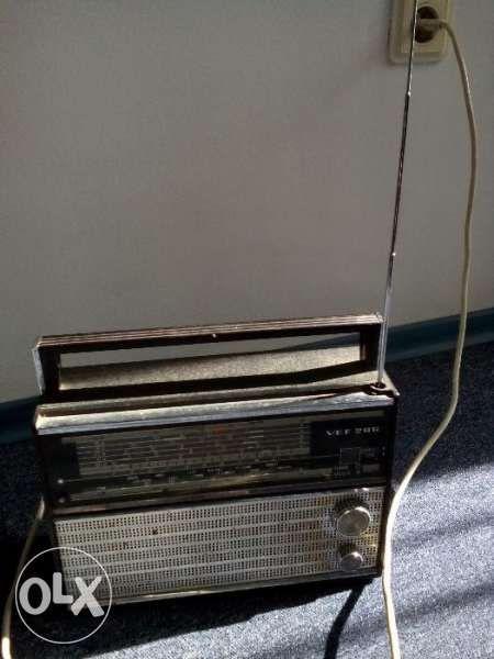 Продавам транзистор и радиоточка