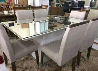 Mesa a venda
