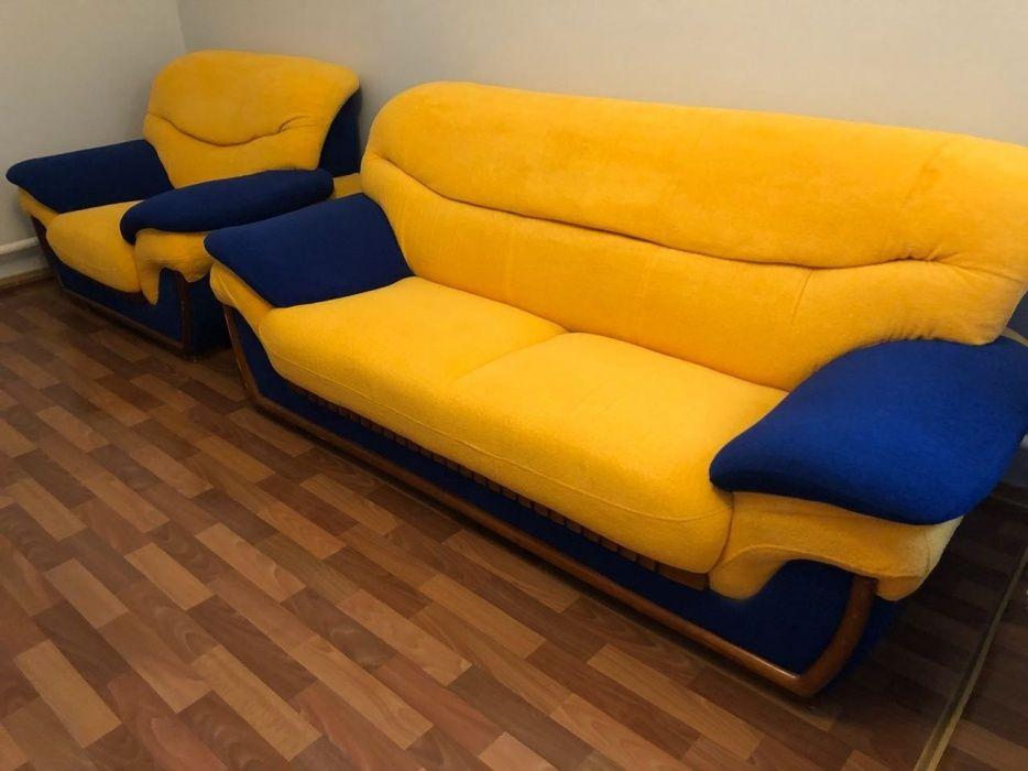 Мягкий диван и 2 кресла