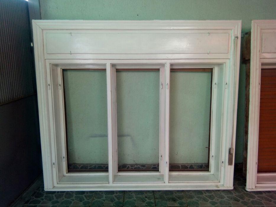Vand geamuri din lemn cu rolete