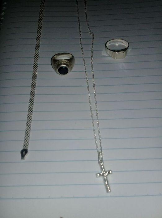 Vendo o meu Conjunto de Prata Anéis, Fio e mascote