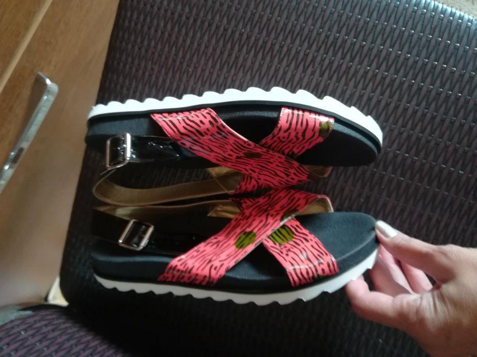 Sandale mar 39.
