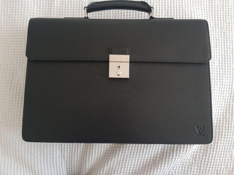 Servieta barbati Louis Vuitton Neo Robusto1