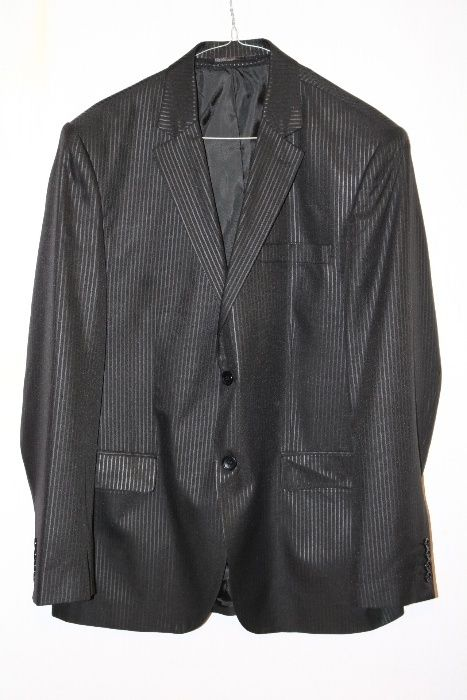 Продавам елегантно мъжко сако