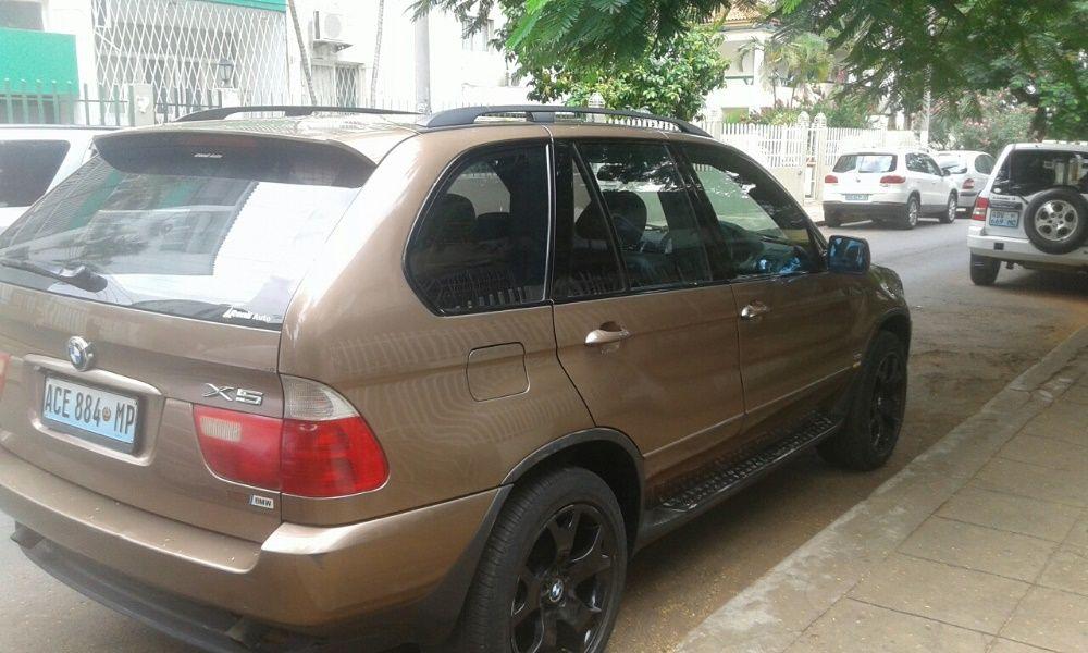 Vende-se BMW X5 Clean
