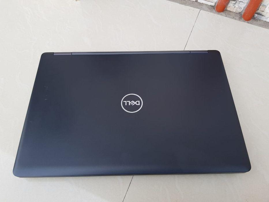 "Laptop Dell Latitude 5590 Core i7 8th gen (TouchScreen & 15"" Polegadas"