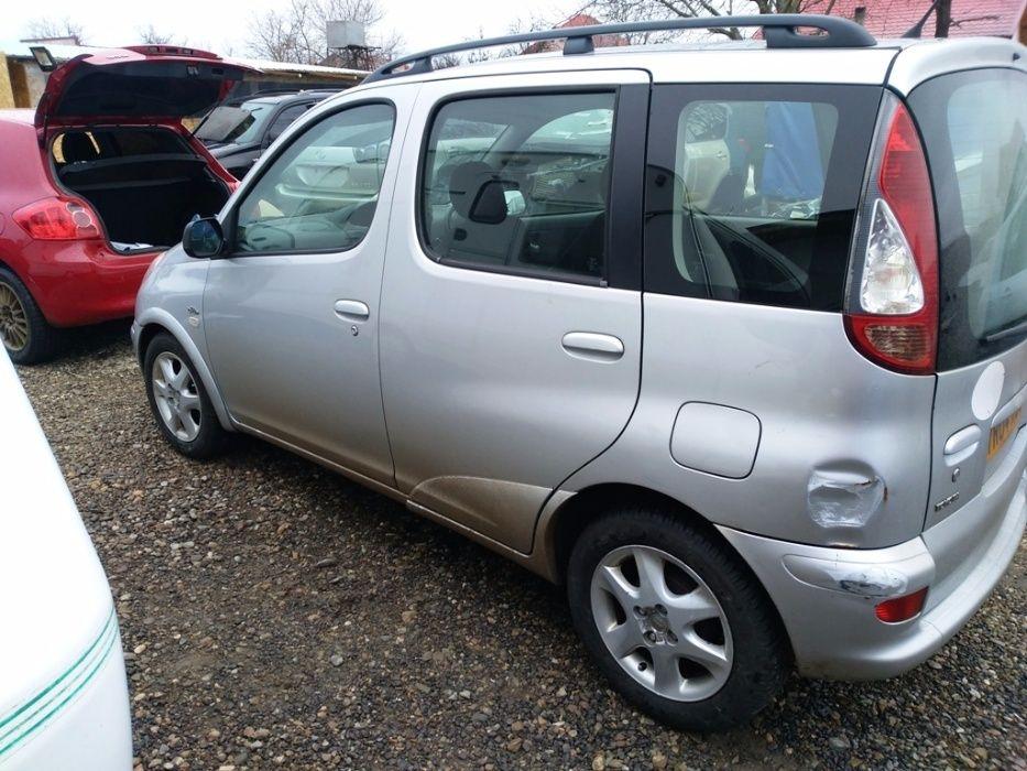 Dezmembrez Toyota Yaris Verso 2005 1.4 D4D 75cp euro3 Otopeni - imagine 3