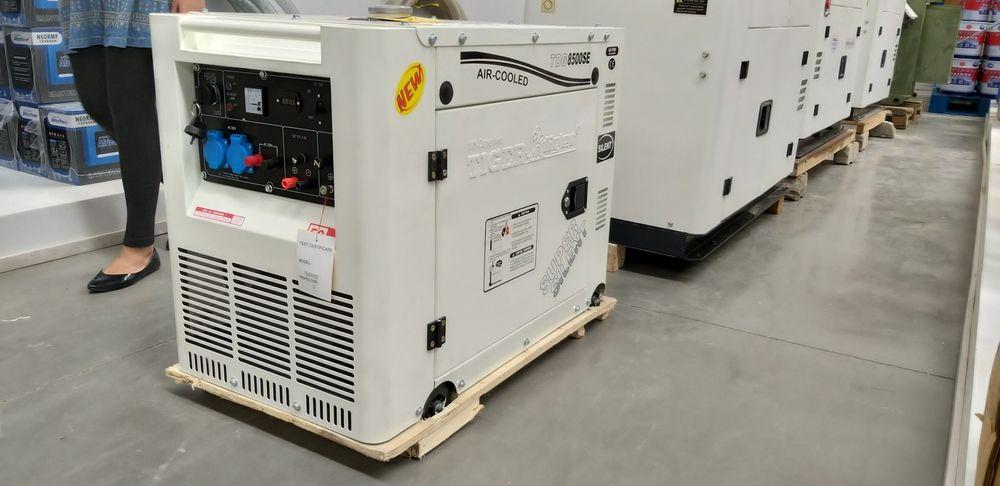 Vende-se gerador a diesel de 15kva super silenciosos
