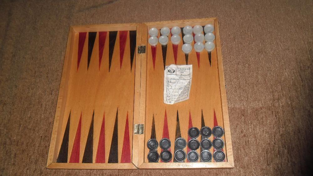 Sah si table si cutie facuta manual anii 80