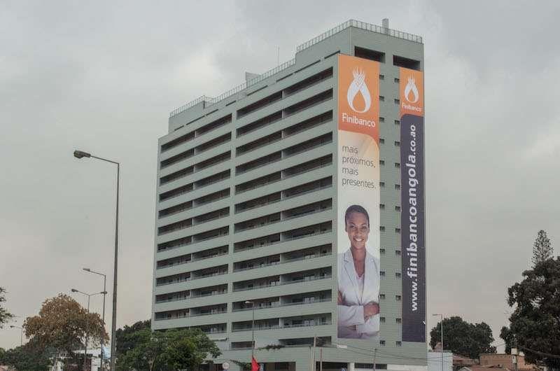 Vende-se Apartamento T3 No Edificio São Paulo