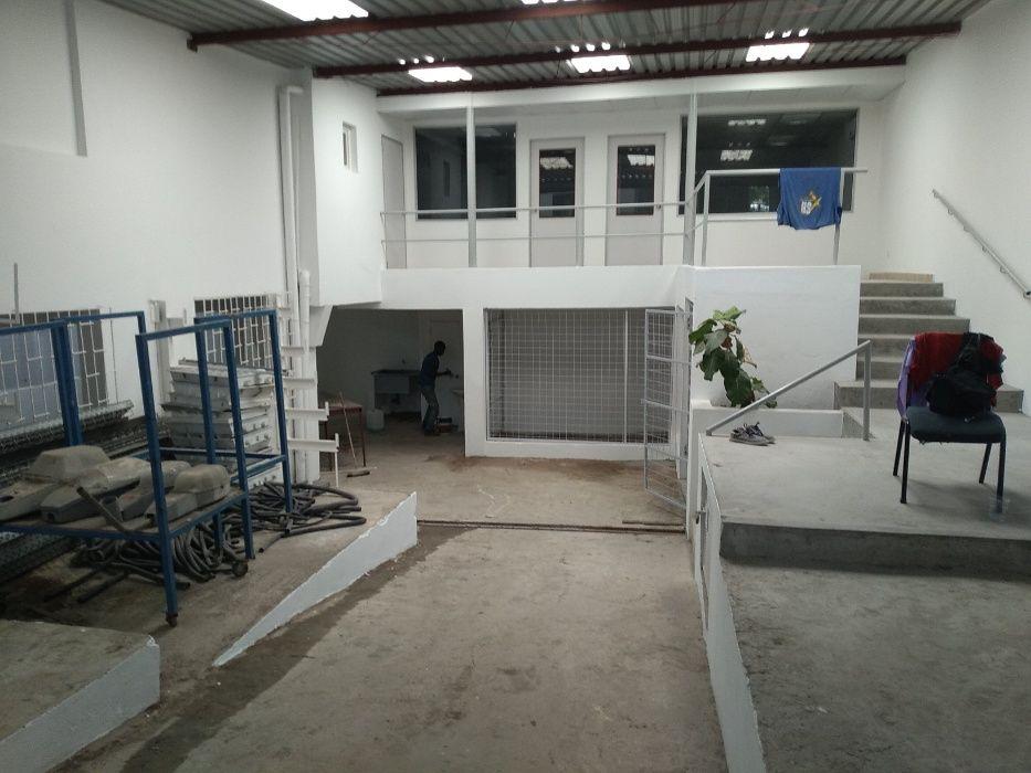 Armazem todo reabilitado com aprox 400 m2 zona Josina Machel