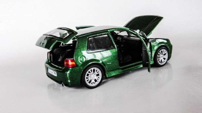 Умалени модели на VW Golf 4 в мащаб 1/24 по поръчка! гр. София - image 6