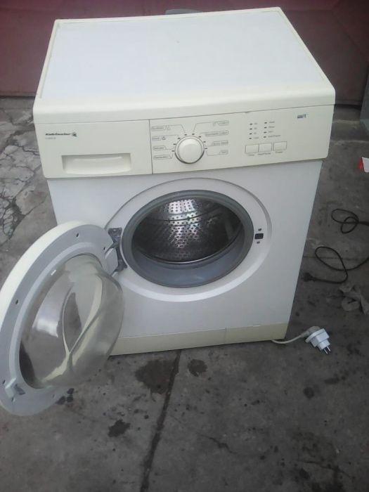 Vende se máquina de lavar operacional em option estado