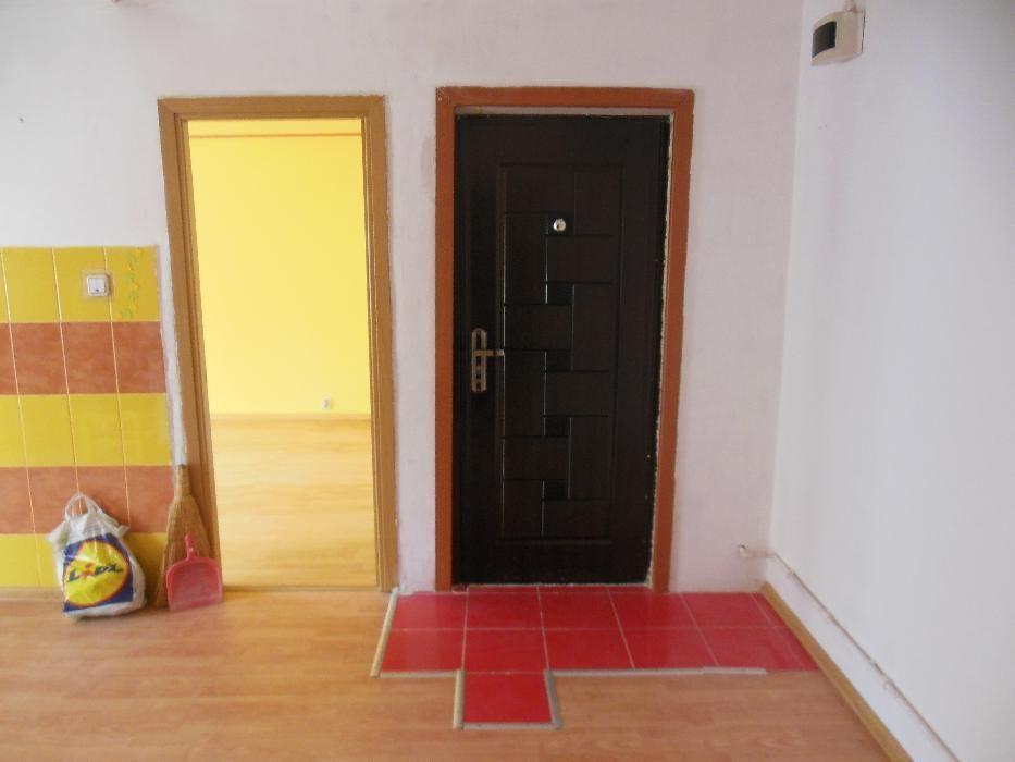 Vand apartament 2 camere decomandat Giurgiu
