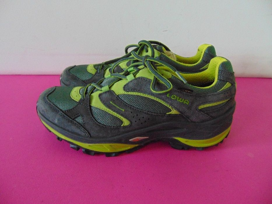 Lowa Enduro Gore-tex номер 39 1/2 Оригинални обувки НОВИ