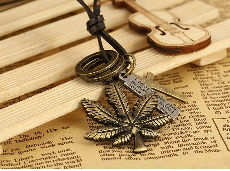 LANT lanturi PANDANTIV pandantive FRUNZA cu Marijuana IARBA cruciulita