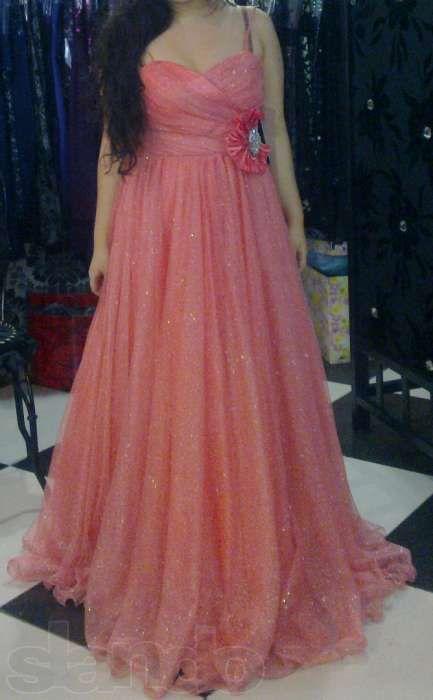 Продам (прокат) итальянское платье