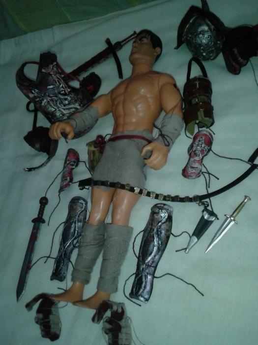 gladiator Spartacus cu armura gladius figurina soldat 1/6