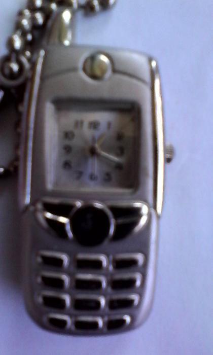 Vand breloc forma de telefon mobil cu ceas