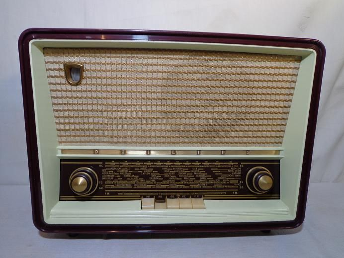 Radio Philips B4 F75A