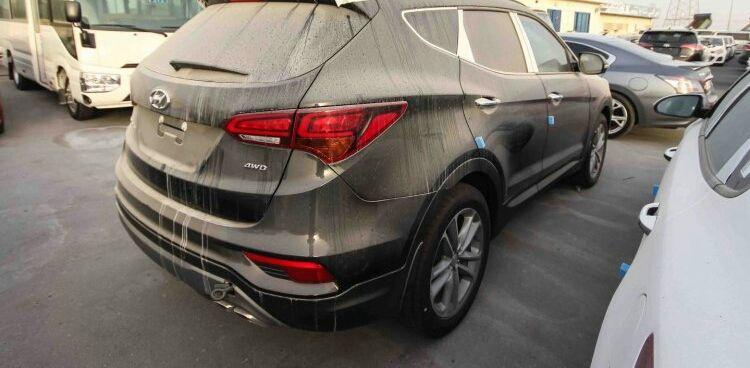 Vende-se Hyundai Santafe Lobito - imagem 3