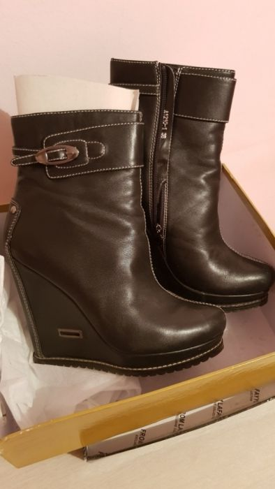 Срочно продам осенний ботинки и туфли. Очень в хорошем состоянии