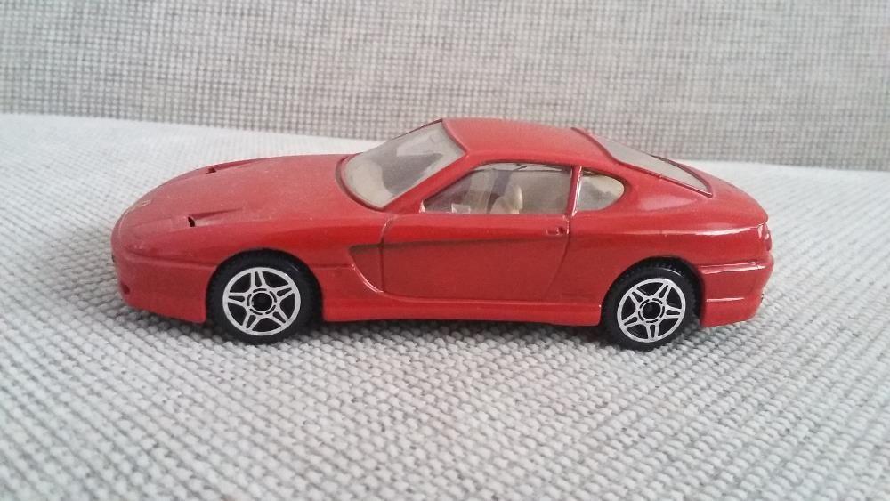 Vand macheta Ferrari 456 GT scara 1/43 producător Bburago