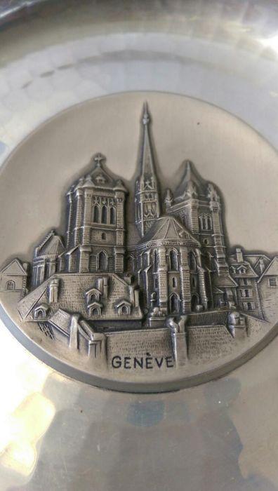Farfurioara metalica Geneva swizerland veche marcata