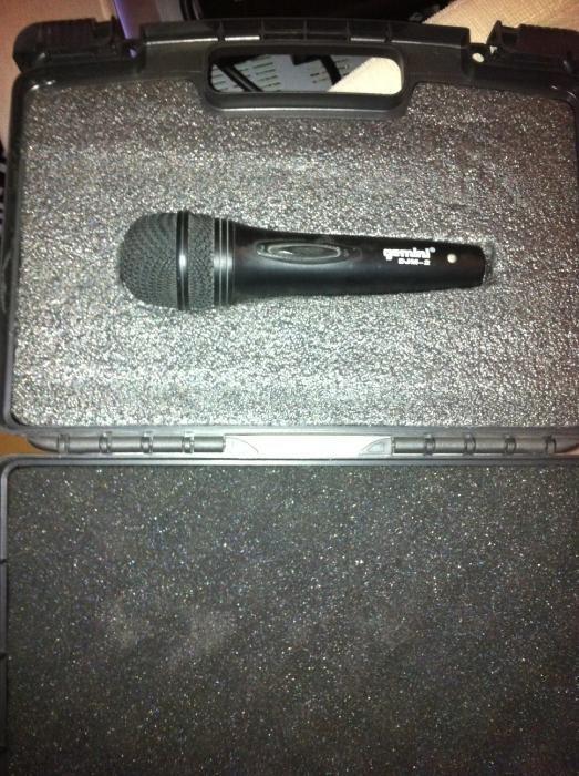 Vand microfon profesional Gemini DJM-2 cu cablu de conectare la statie