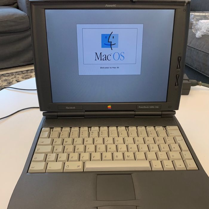 Laptop de colectie vintage APPLE POWERBOOK 1400c/166