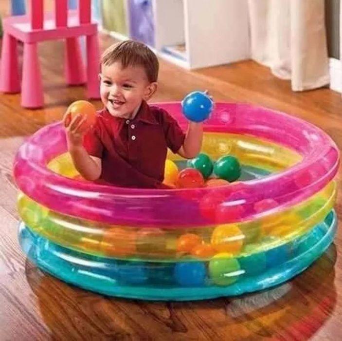 Надуваем басейн с подарък 50 топки