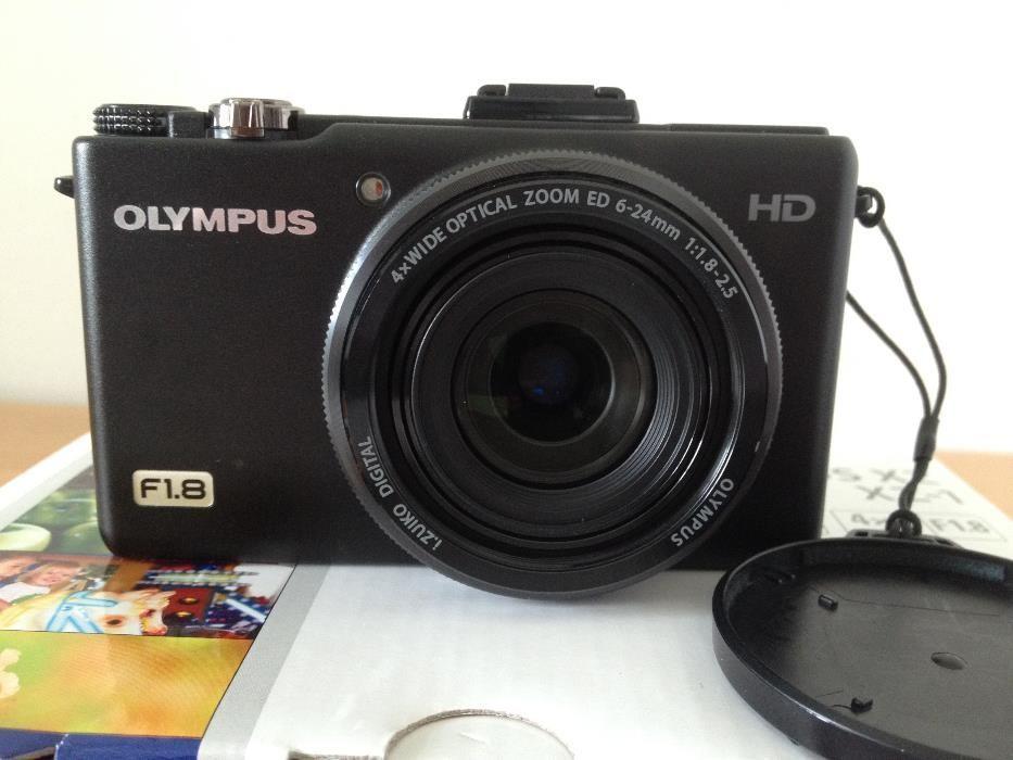 Olympus XZ-1 F1.8