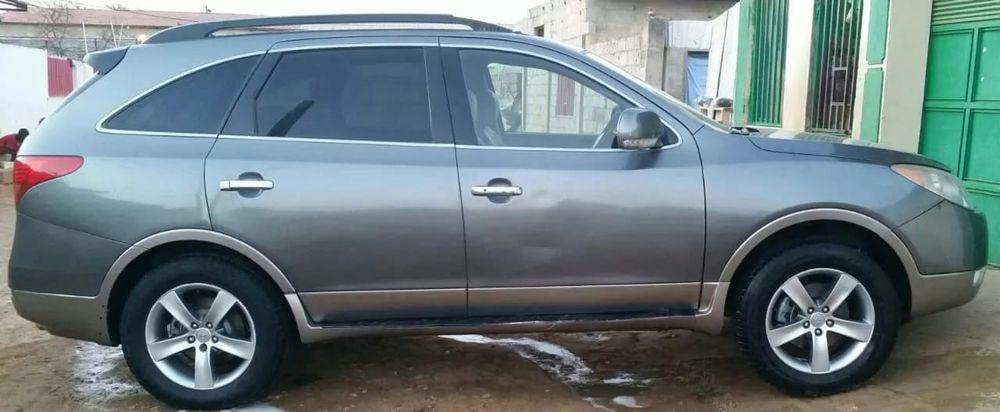 Vendo este Hyundai Vera Cruz em perfeitas condições tudo funciona