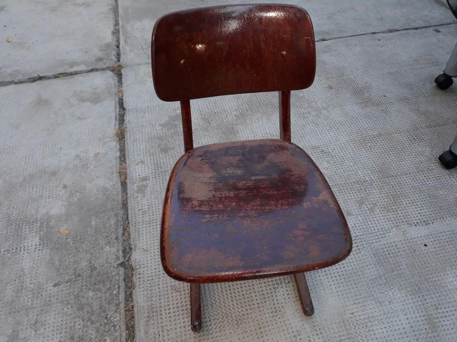 Scaun de lemn pentru copii