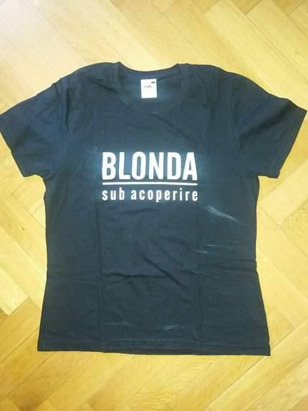 "Tricou de dama negru cu text amuzant ""Blonda sub acoperire"" L"