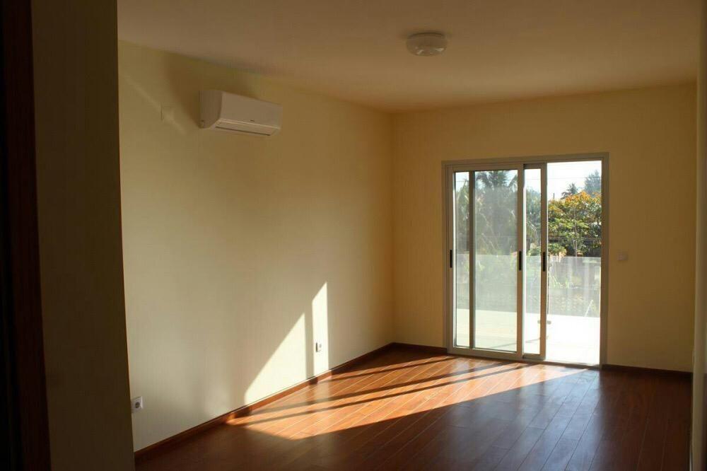 Vendese T3, no bairro Costa do Sol, Condomínio Novo - Prédio Open,