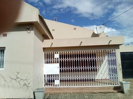 Vende se t3 na Machava Khobe
