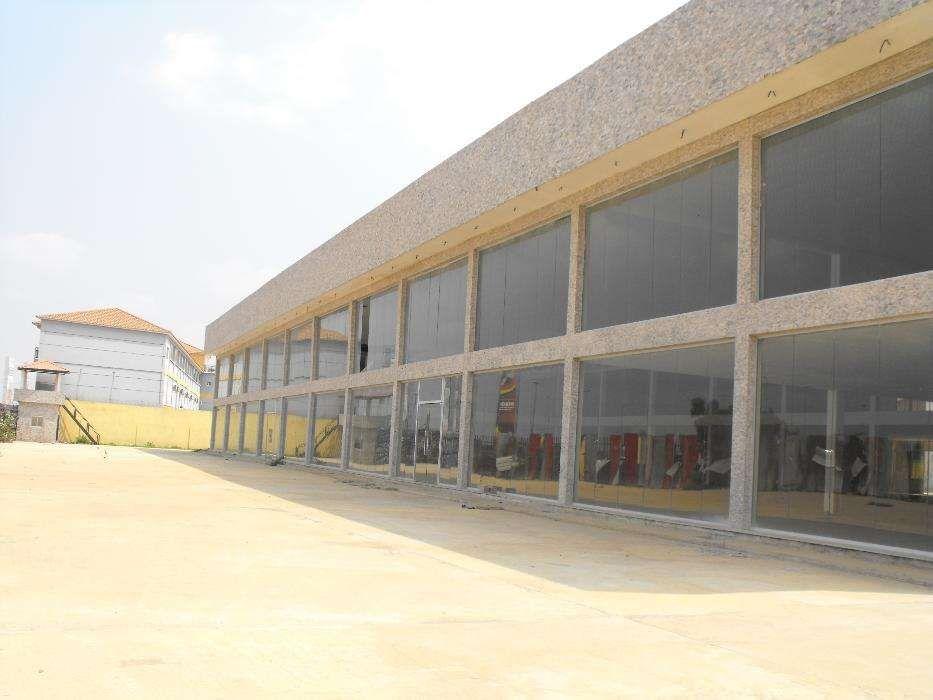 Estabelecimento Comercial Em Viana
