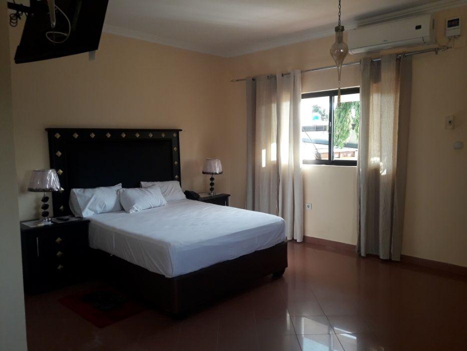 Guest House, no Morro Bento. (Rooms, hotel, quartos hospedaria, casa).