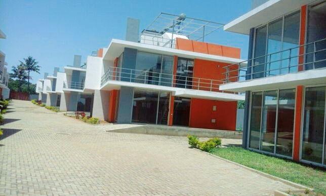 Vende-se 10 Casas Condomínio