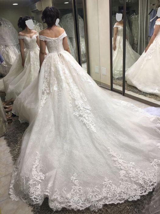 Продам свадебное платье (с фатой и украшениями)