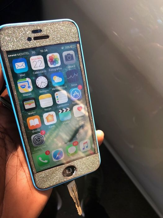 iPhone 5c azul limpo