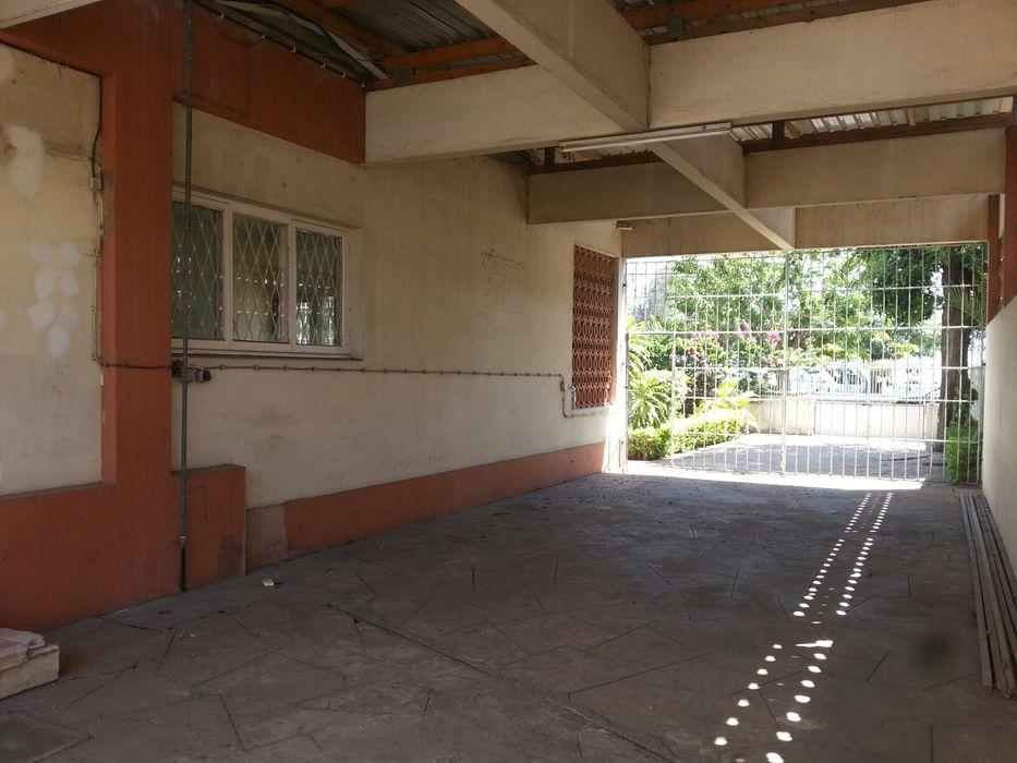 Arrenda-se super vivenda T5+1 c/2 pisos na Shommershild1, Maputo