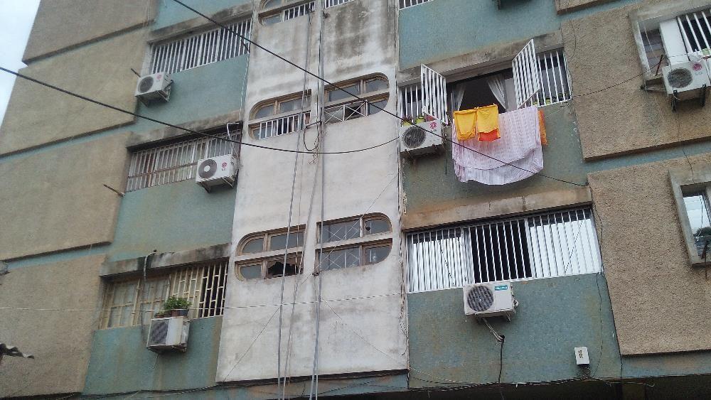 Vendo Apartamento T2. 2andar.cassenda, Maianga . 17 milhoes de kz .