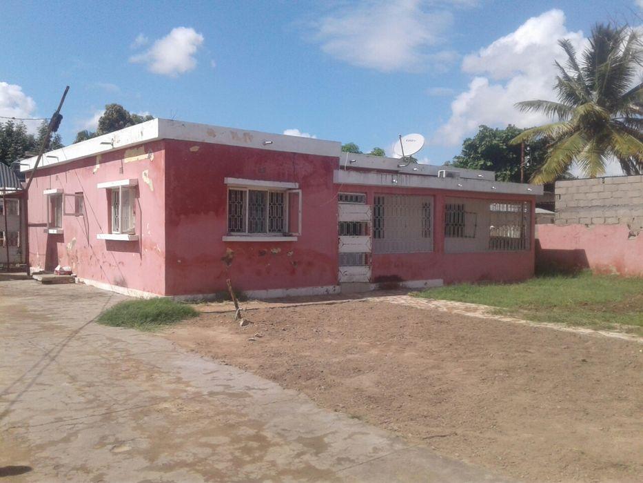 Vende-se casa tipo 3 com suite, na Cidade de Chókwè, 1° bairro