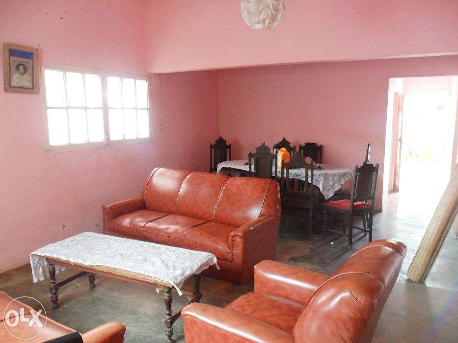 Vende-se/arrenda-se casa no bairro do maxaquene av. flpm Maputo - imagem 5