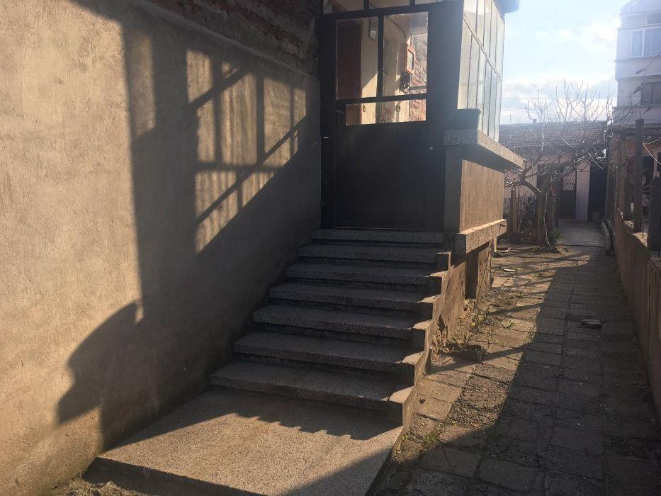 КЪЩАС ГАРАЖ в кв. Хисаря град Хасково