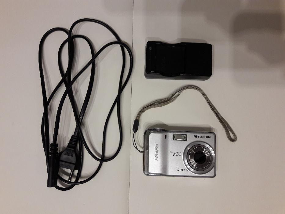 """Aparat foto Fujifilm Finepix F460, 5,1 Mp, 2,5"""" display"""