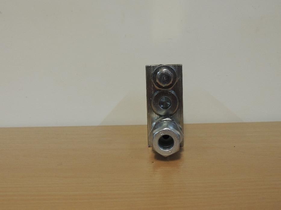 Distribuitor hidraulic plug reversibil Alba Iulia - imagine 5